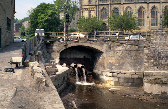 Canal blockage, Sowerby Bridge