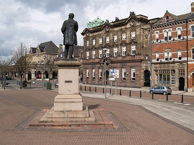Statue of Henry Bolckow, Exchange Square