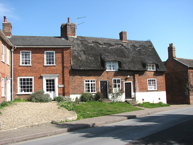 Attractive thatched cottage on Church Hill