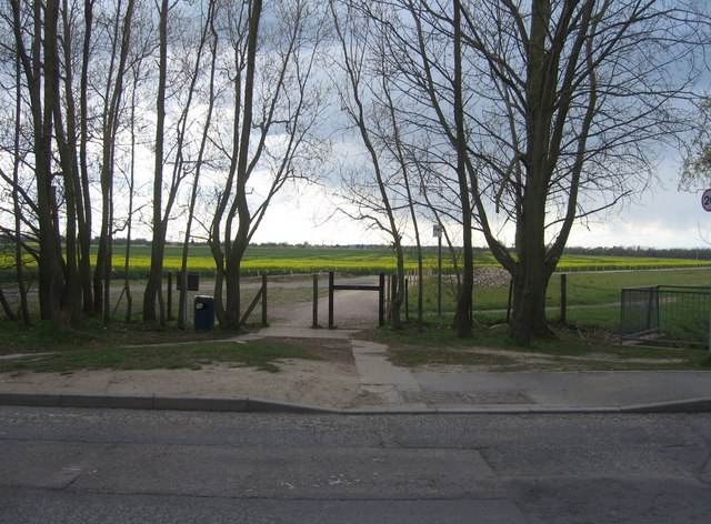 Start of the path to Trumpington by Sandy B