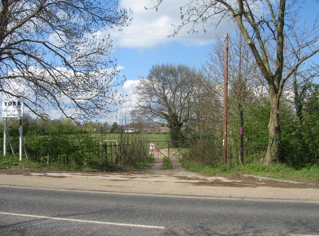 Access to Perse School playing fields by Sandy B
