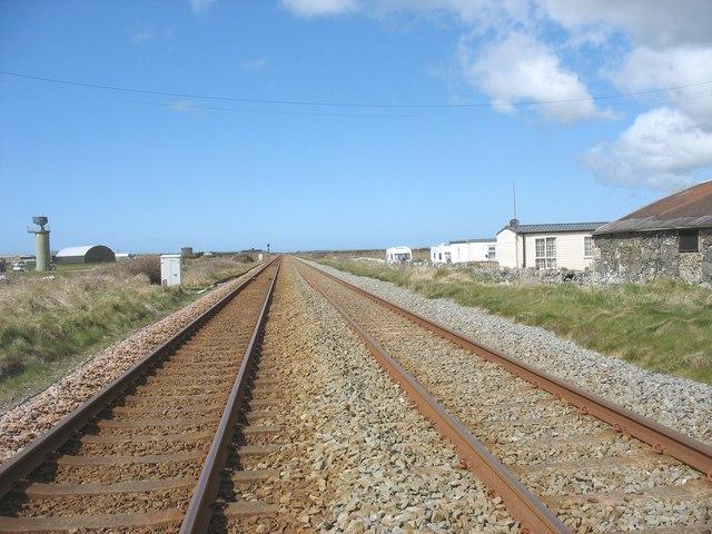 Railway north of Trewin Sands crossing