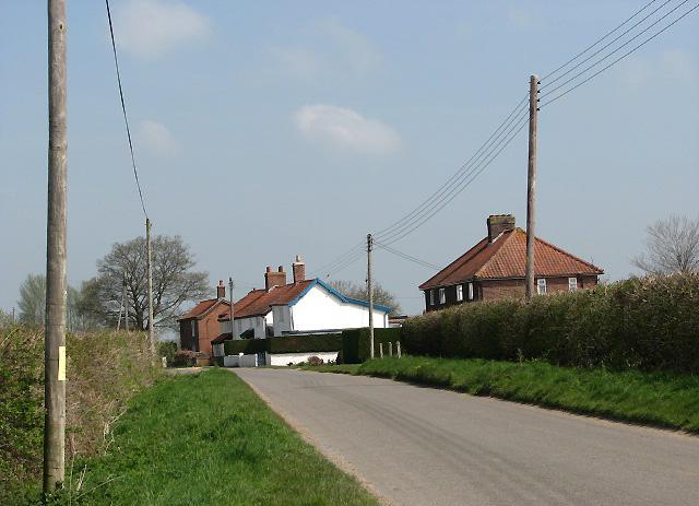 Cottages on Attleborough Road
