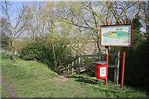 TL8663 : Footpath to No Man's Meadows by Bob Jones