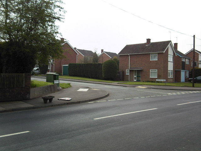 Sandhurst Drive junction with Mount Road, Penn.