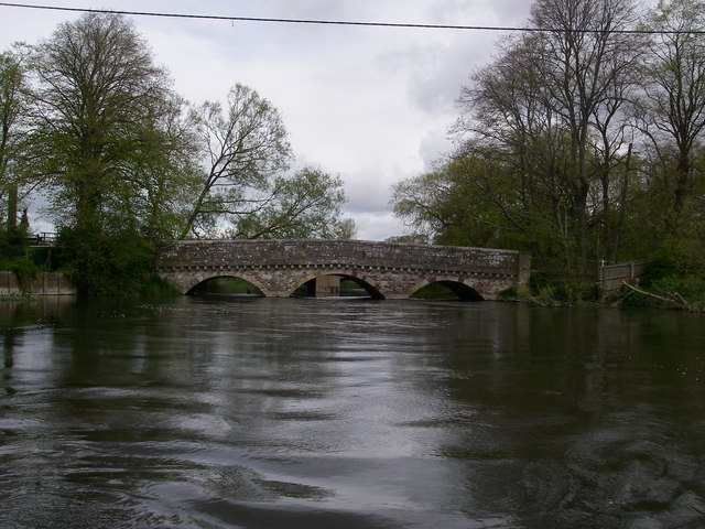 Old Bridge over the Avon at Ringwood