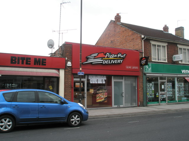 Pizza Hut Delivery Cosham High Street Basher Eyre Cc By