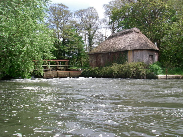 Hatches on the river Avon below Winkton