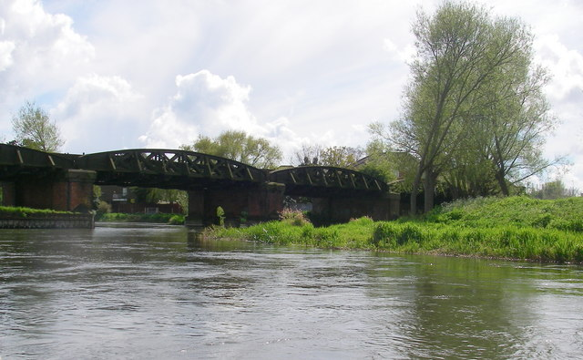 Railway bridge over the river Avon