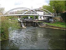 TQ3681 : Regent's Canal: Parnham Street Footbridge by Nigel Cox