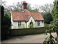 TG0634 : Attractive cottage by Evelyn Simak