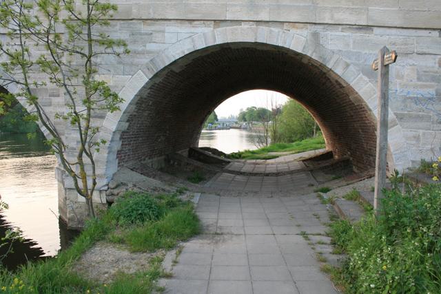 Path Under Chertsey Bridge
