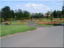 NS3975 : Gardens in Levengrove Park by Stephen Sweeney