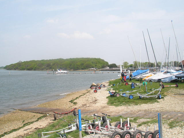 Yachtspeople soaking up the sun at Chichester Marina