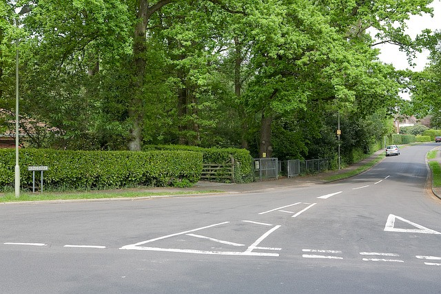 Junction of Merdon Avenue and Kingsway, Chandler's Ford