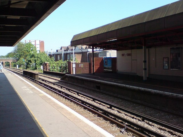 Wallington Station, platform 1 looking east