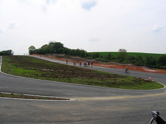 Redbridge Cycle Centre: Track partially completed