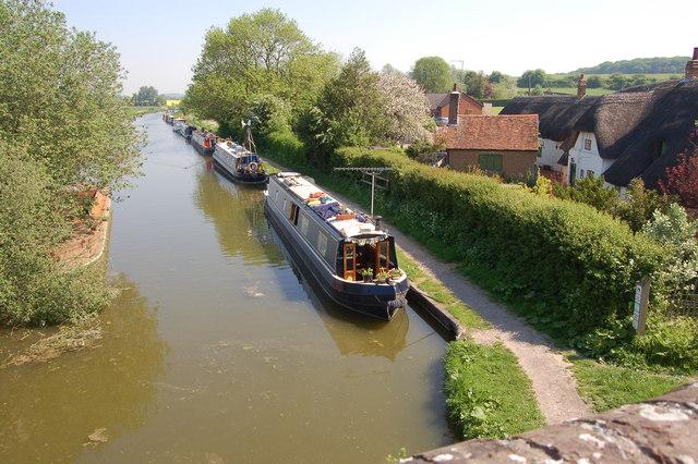 Kennet & Avon canal from Station Bridge, Great Bedwyn