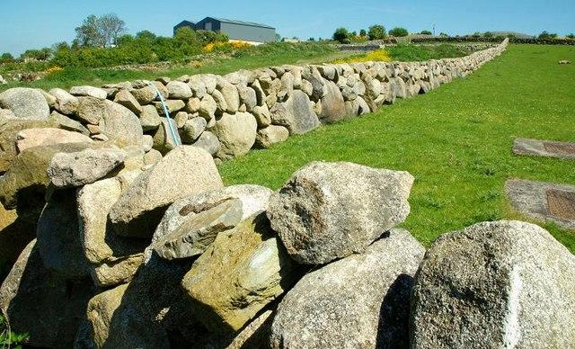 Drystone walls near Hilltown