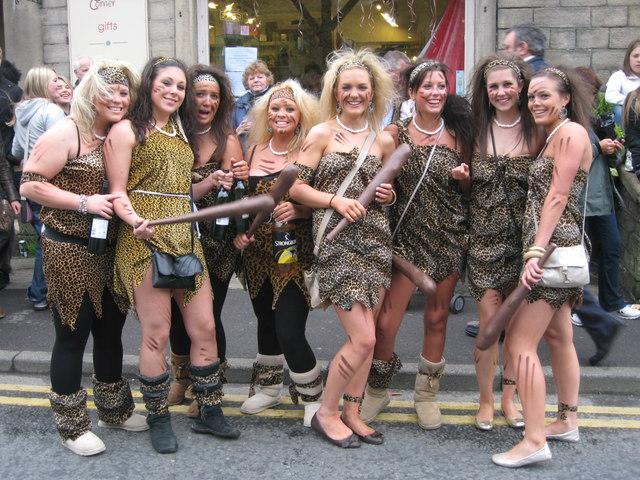 Saddleworth Roundtable Beerwalk Cave Girls