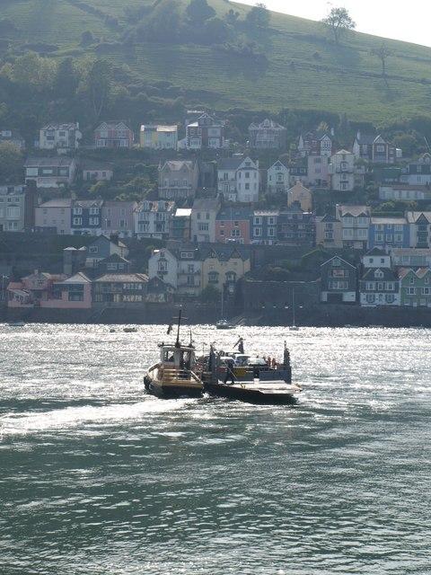 Lower vehicle ferry across the Dart