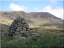 NT1513 : The Carrifran Burn Cairn looking to Raven Craig by Iain Lees