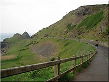 C9444 : Road to the Giant's Causeway [2] by Rossographer