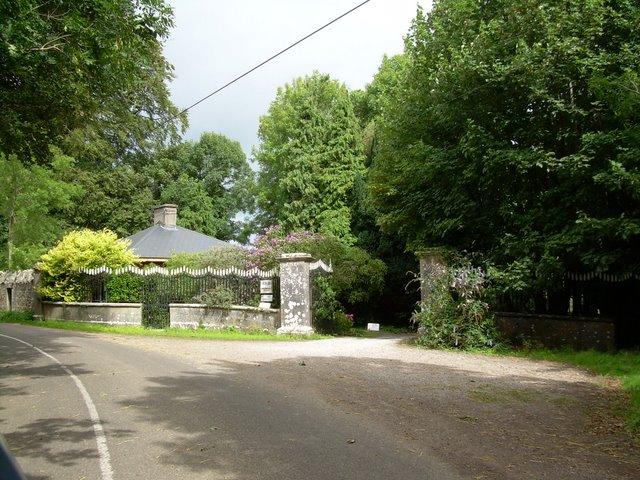 Entrance to Annesgrove Gardens.
