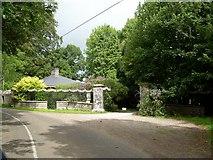 R6804 : Entrance to Annesgrove Gardens. by david treacy