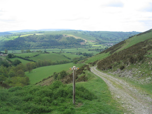 Bridleway track along the flank of Cwm-sanaham Hill