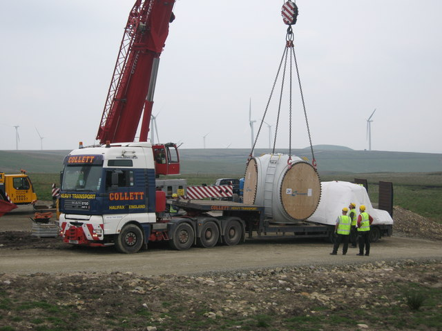 Hub for Turbine Tower No 17 arrives on site
