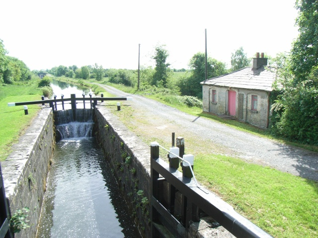 Royal Canal 38th Lock & Cottage from Kelly's Bridge