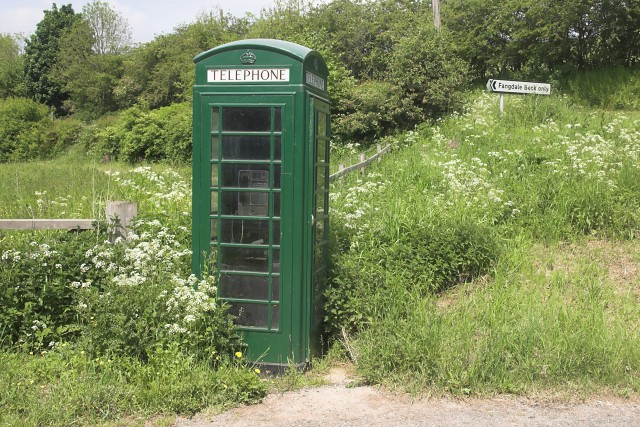 Green phone box © Colin Grice :: Geograph Britain and Ireland