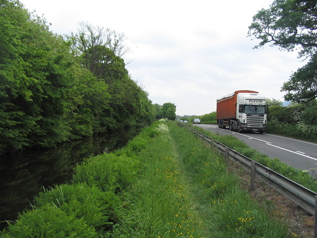 Montgomery Canal, Offa's Dyke Path and the A483