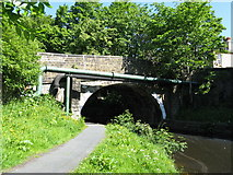 SD8537 : Lomeshaye Bridge 140, Leeds and Liverpool Canal, Nelson by Dr Neil Clifton