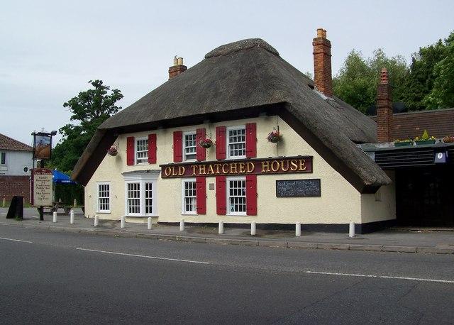 Old Thatched House Southampton 169 Maigheach Gheal