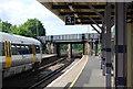 TQ5255 : Northern end of Sevenoaks Station by N Chadwick