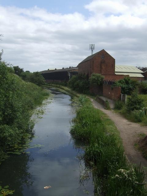 Walsall Canal - East of Bentley Road Bridge