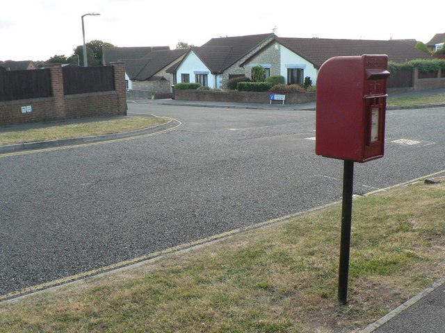 Talbot Village: postbox № BH12 297, Fern Barrow