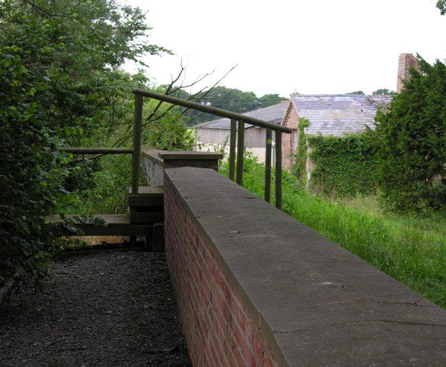 Public footpath west of Saltmarshe