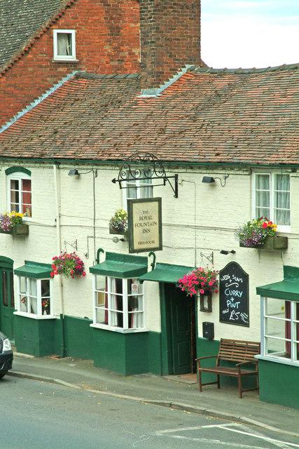 The Royal Fountain Inn, 13 Church Street, entrance & pub sign