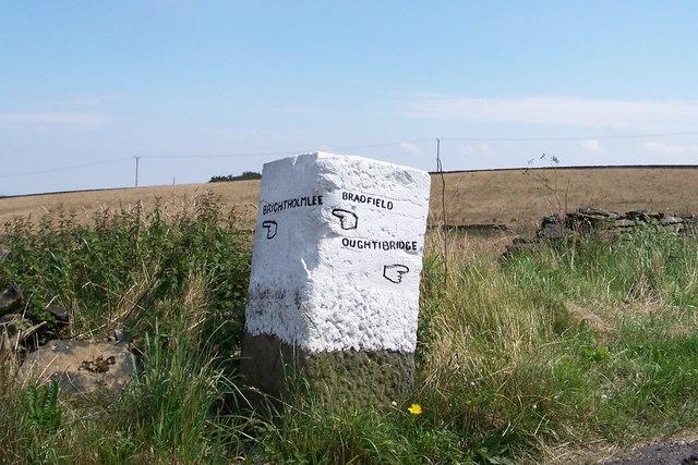 Bradfield Parish Marker Stone - 3 - Onesacre Road / Peat Pitts Lane