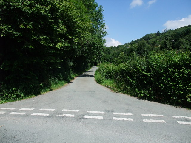 Minor road to Nantmawr and Treflach