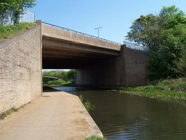 M6 Motorway Bridge - Rushall Canal