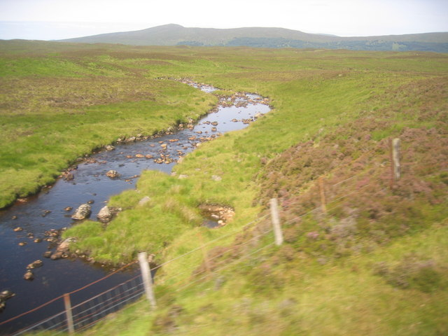 Allt Ruighe an Tuim Dhuibh from the train