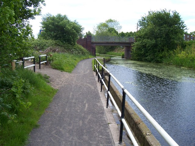 Goscote Hall Bridge - Wyrley & Essington Canal