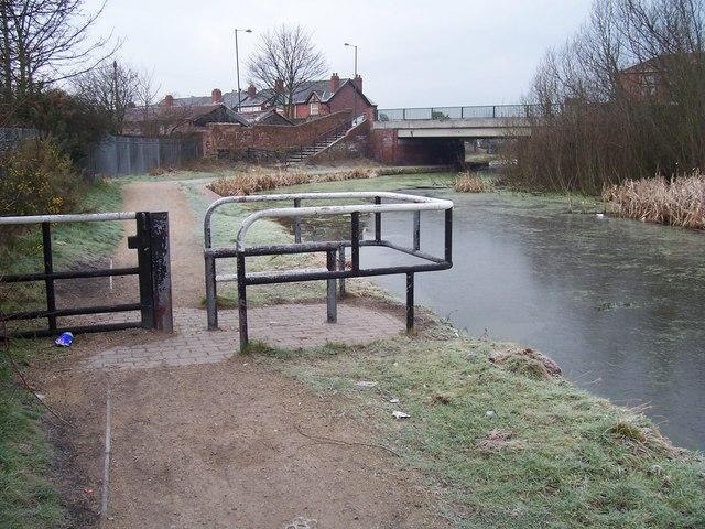 Towpath Barrier and Pratts Mill Bridge - Wyrley & Essington Canal