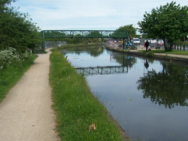 Old Footbridge - Wyrley & Essington Canal