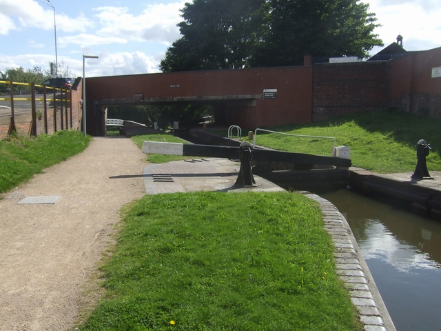 Dudley No 1 Canal - Delph Lock No1