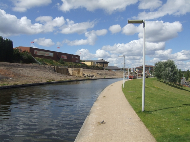 Dudley No 1 Canal - Moorings next to Merry Hill Waterfront